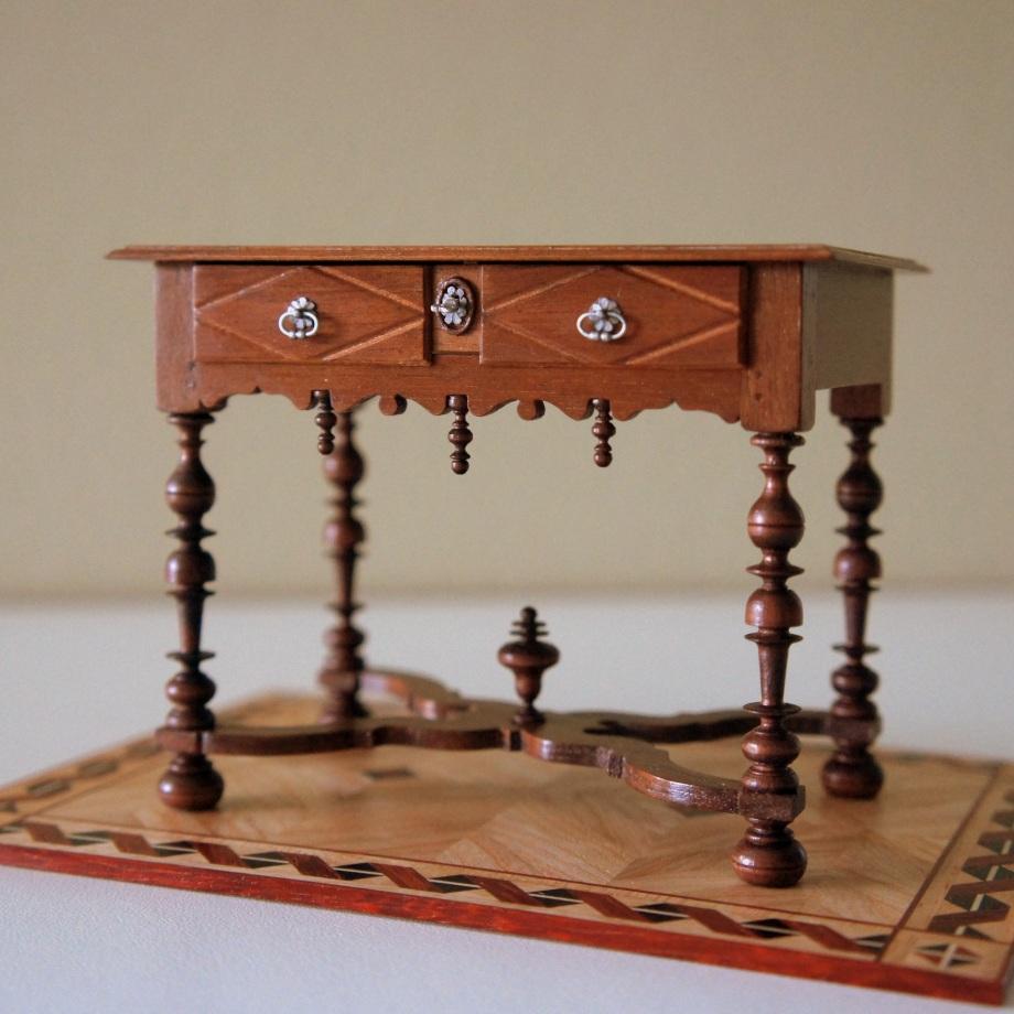Les meubles miniatures d 39 alain meubles l 39 chelle 1 10 me - Table basse louis xiv ...